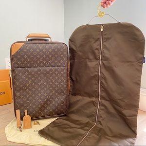 💞PEGASE 55💞 Auth Louis Vuitton Rolling Luggage!